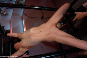 Slim brunette lady in red shoes drilling - XXX Dessert - Picture 12