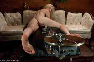 Blonde darling spreads her legs and gets - XXX Dessert - Picture 3
