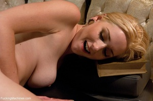 Blonde darling spreads her legs and gets - XXX Dessert - Picture 4