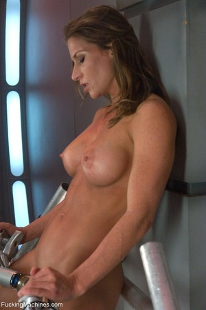 Oiled up bitch with a nice body gets dri - XXX Dessert - Picture 5