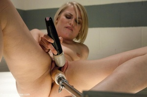 Short haired blondie with a smooth cunt  - XXX Dessert - Picture 16