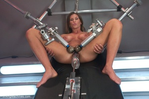 Muscled bitch with big boobs using so ma - XXX Dessert - Picture 1