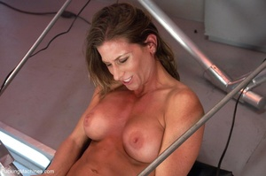 Muscled bitch with big boobs using so ma - XXX Dessert - Picture 6