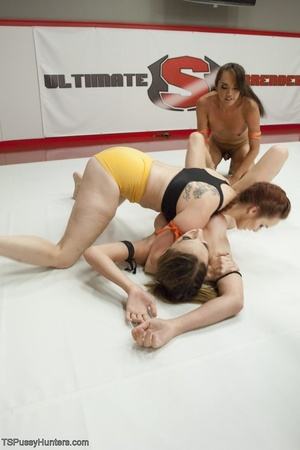 Lady wrestlers prove the fact that t-gir - XXX Dessert - Picture 12