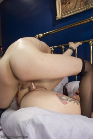 Skinny tranny accepts a blowjob and scre - XXX Dessert - Picture 13