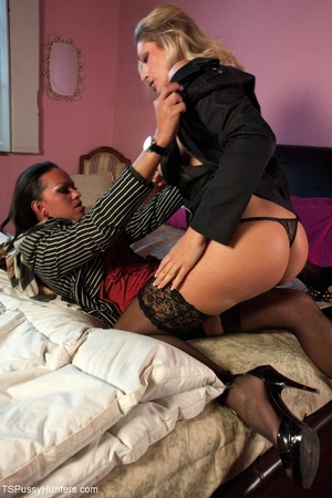 Hot babe and a black tranny meet in chur - XXX Dessert - Picture 3