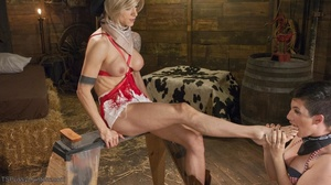 Boot-licking bitch sucks a blonde tranny - XXX Dessert - Picture 4