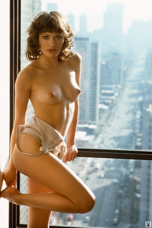 short haired chick with a hairy pussy is so damn hot - xxx dessert