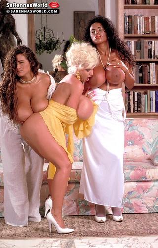 Hot girls do porn