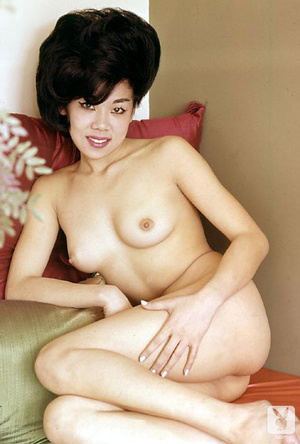 Pretty asian babe exposes herself in som - XXX Dessert - Picture 3