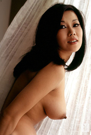 Pretty asian babe exposes herself in som - XXX Dessert - Picture 8