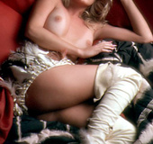 80's blonde darling is eager to show her naturals