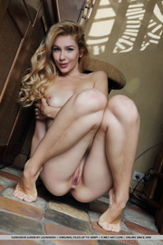 lovely blonde shows her