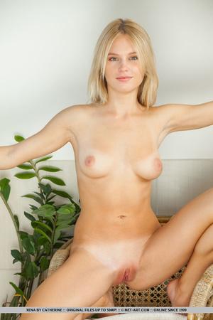 Gorgeous blonde with smoking hot body te - XXX Dessert - Picture 10