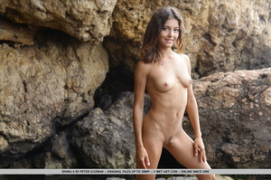 Pretty young brunette with curly hair di - XXX Dessert - Picture 1