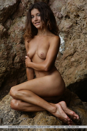Pretty young brunette with curly hair di - XXX Dessert - Picture 12