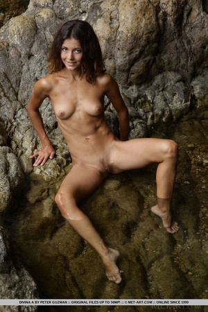 Pretty young brunette with curly hair di - XXX Dessert - Picture 17