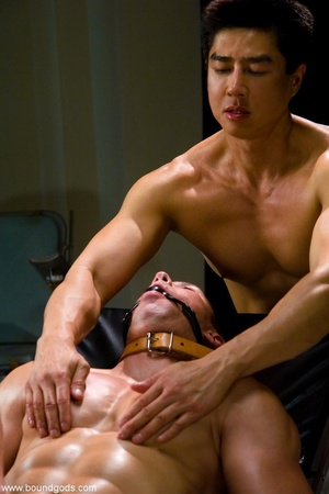Kinky Asian doctor and his assistant hav - XXX Dessert - Picture 4