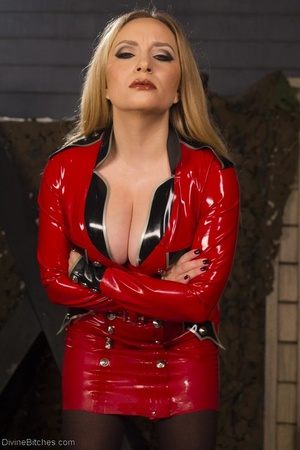 Pornstar Jennifer Stone