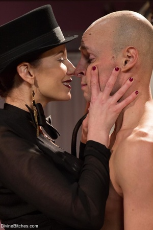 Classy dame dresses a guy in a frilly ma - XXX Dessert - Picture 5