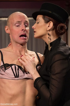 Classy dame dresses a guy in a frilly ma - XXX Dessert - Picture 7