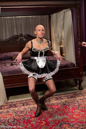 Classy dame dresses a guy in a frilly ma - XXX Dessert - Picture 8