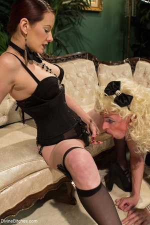 Classy dame dresses a guy in a frilly ma - XXX Dessert - Picture 13