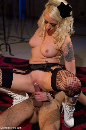 Babe in white boots and black fishnets f - XXX Dessert - Picture 17