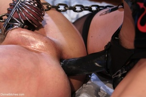 Female with fantastic tits wears black r - XXX Dessert - Picture 17