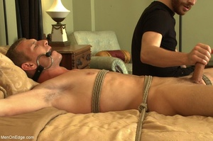 Bearded stud gives lots of pleasure to h - XXX Dessert - Picture 11