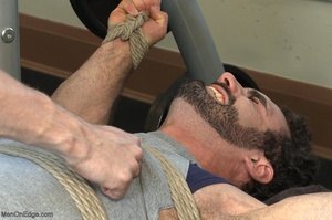 Bodybuilder gets used in the gym by two  - XXX Dessert - Picture 2