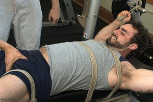 Bodybuilder gets used in the gym by two  - XXX Dessert - Picture 3