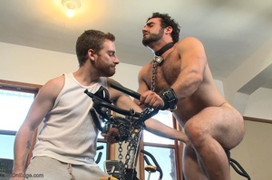 Bodybuilder gets used in the gym by two  - XXX Dessert - Picture 17