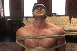 Blindfolded dude with a  muscled body ge - XXX Dessert - Picture 4