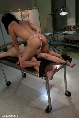 Young med student gets a lewd lesson in  - XXX Dessert - Picture 10