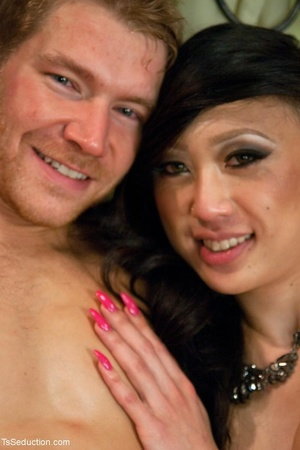 Asian ladyboy with round tits gives it h - XXX Dessert - Picture 18