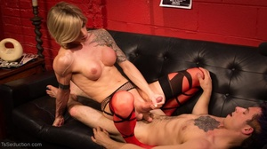 Skinny, blonde t-girl with defined muscl - XXX Dessert - Picture 13