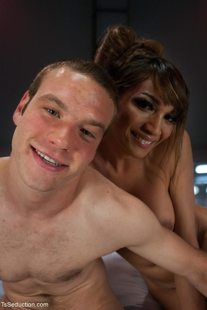Stunning shemale 69s with a stud and hol - XXX Dessert - Picture 18