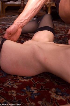 Female makes her victim crazy using wate - XXX Dessert - Picture 5