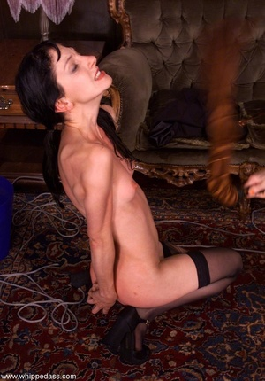 Female makes her victim crazy using wate - XXX Dessert - Picture 8