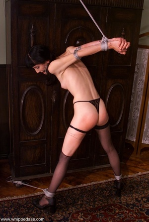 Female makes her victim crazy using wate - XXX Dessert - Picture 15