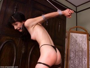 Female makes her victim crazy using wate - XXX Dessert - Picture 16