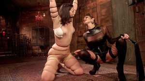 Amateur girl gets tortured by extravagan - XXX Dessert - Picture 6