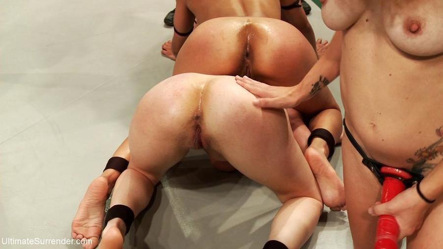 Rough Lesbian Strap Dildo