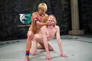 crazy fighting two blonde