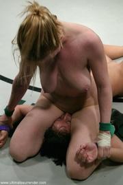 hardcore scene pretty lesbian