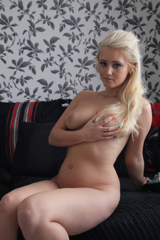 shy blonde rocking body
