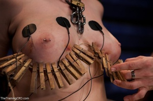 Chubby girl likes electrostimulation and - XXX Dessert - Picture 12