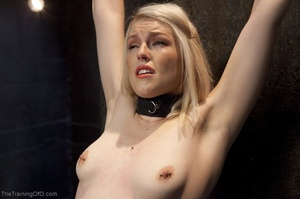 Sexy harlot in hot lingerie is totally i - XXX Dessert - Picture 5