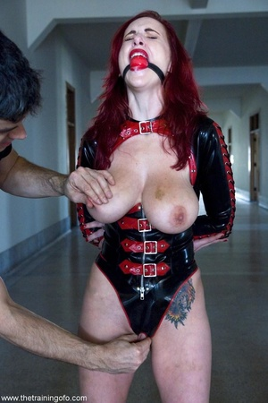 Look at the hot outfit this slave wiggle - XXX Dessert - Picture 3